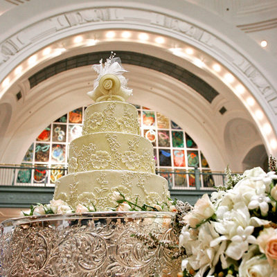 Detail of wedding cake on stand in Tacoma Union Station
