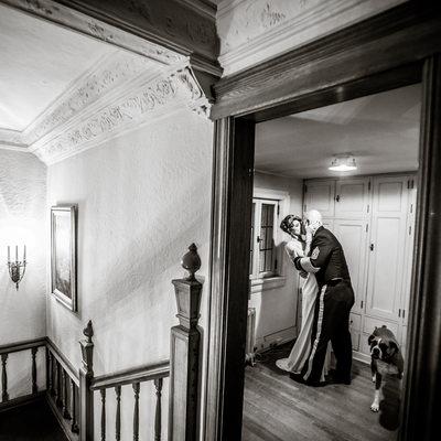 Dog photobombs kiss at historic Weyerhaeuser Estate