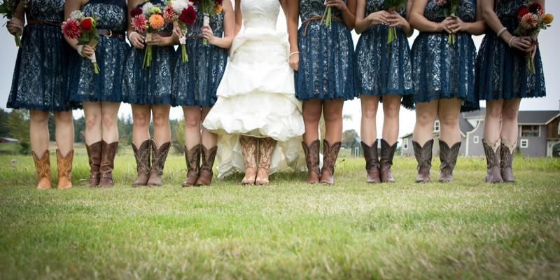 Bridesmaids at Tazer Valley Farm | Stanwood