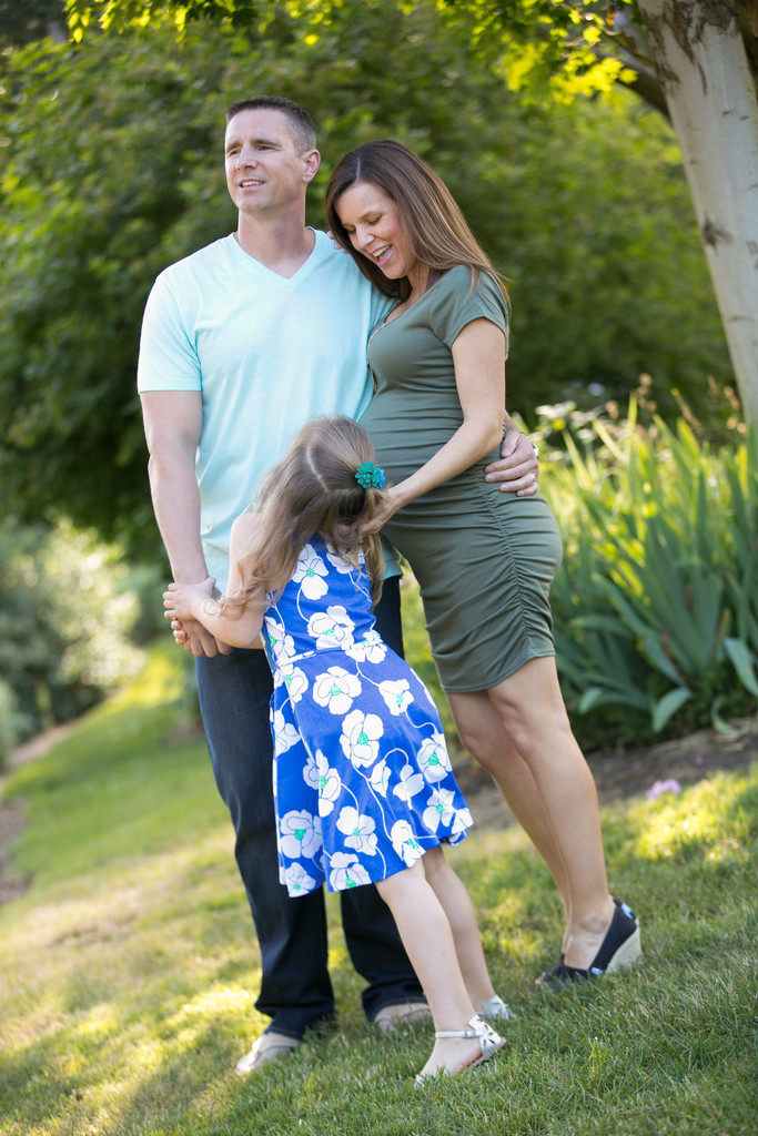 Seattle Maternity and Pregnancy Photography Photographer | Family Portrait