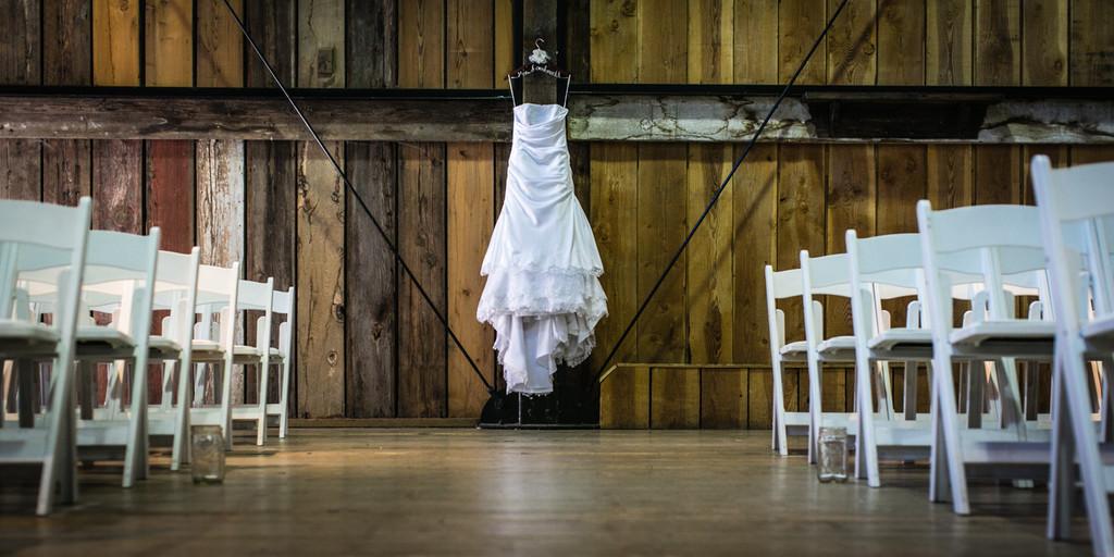 Wedding Photos At Pickering Barn Issaquah