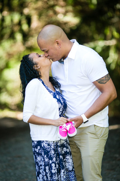 Seattle Maternity and Pregnancy Photography Photographer | Seattle Arboretum