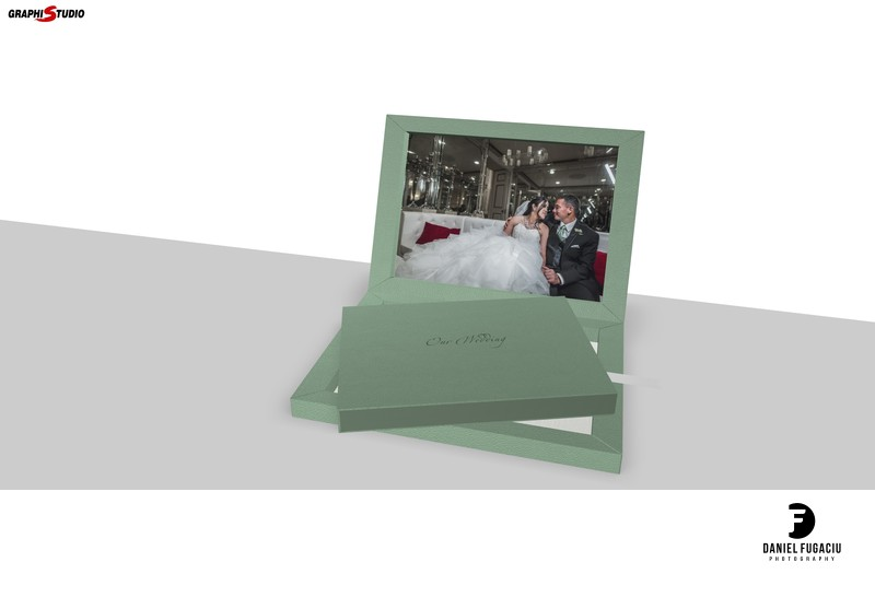 Green leather wedding album made in Italy