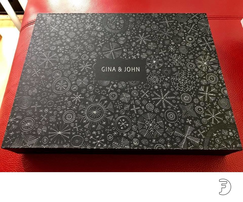 Custom designed wedding albums made in Italy floral