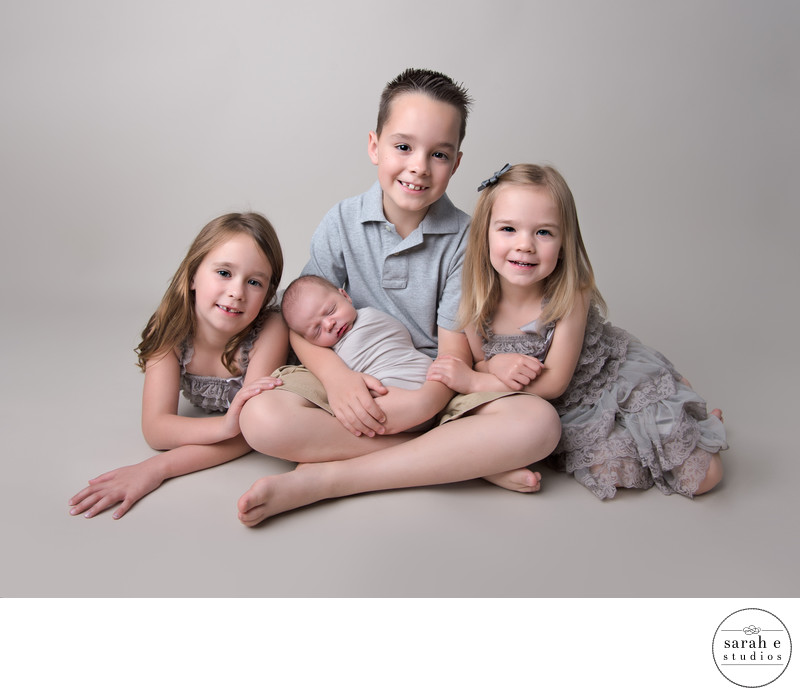 St. Louis Newborn Photographs with Siblings