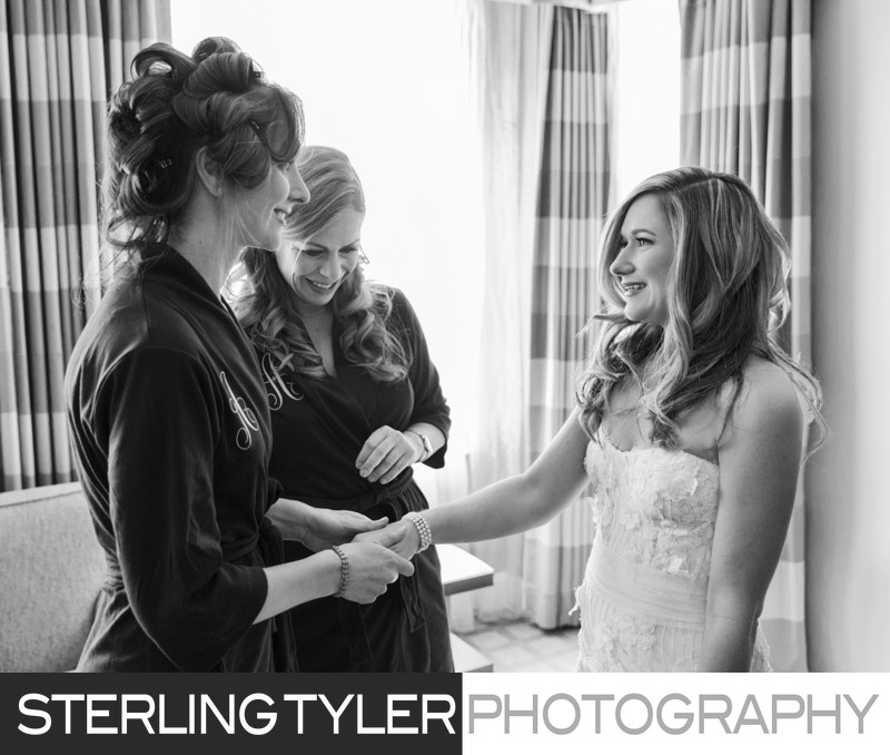 journalistic photo bride with bridesmaids los angeles photographer