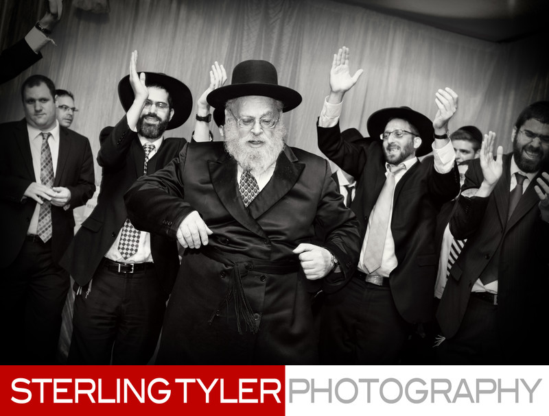 rabbi dancing at wedding los angeles wedding photographer