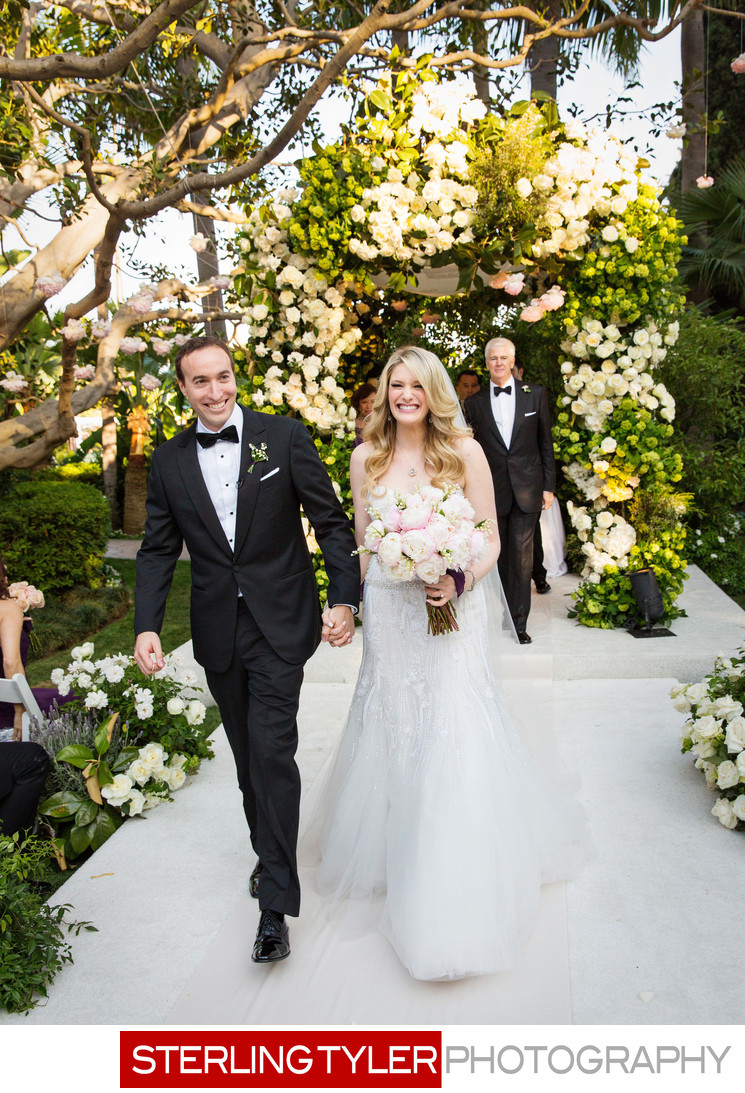 stunning beverly hills hotel chuppa wedding ceremony