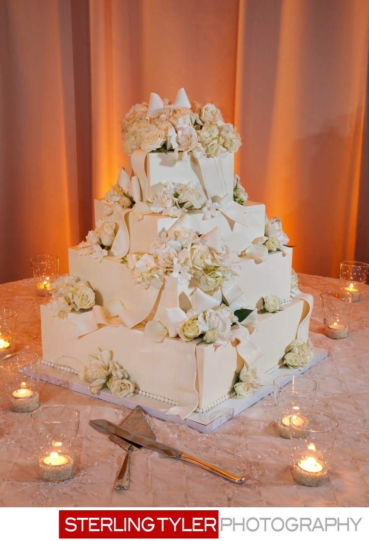 amazing wedding cake detail photography