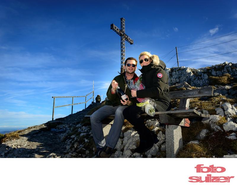 Flasche Champagner bei Verlobung auf dem Untersberg
