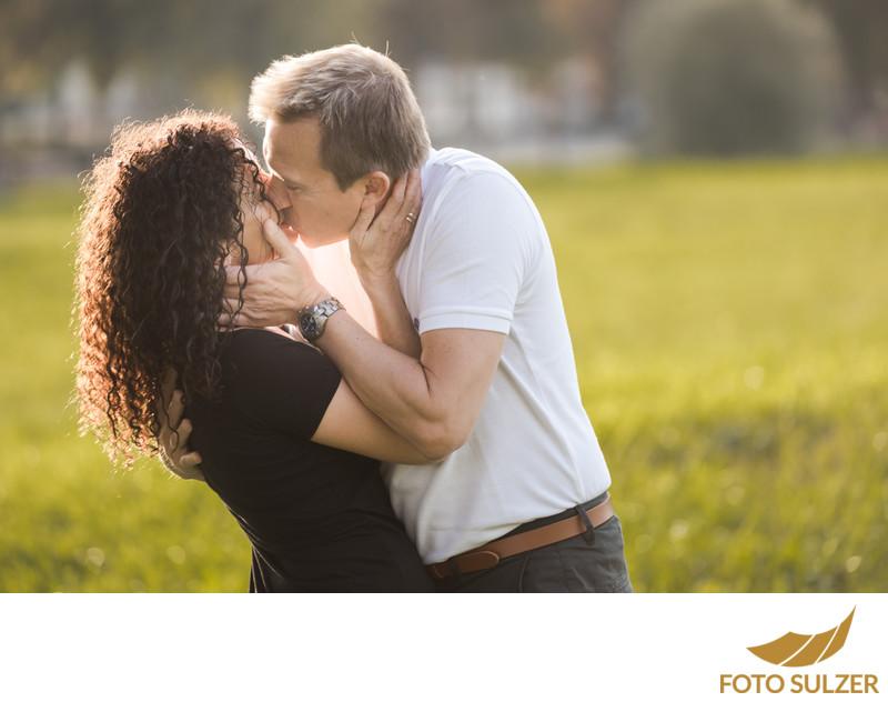 Verlobungsshooting im Herbst in Salzburg