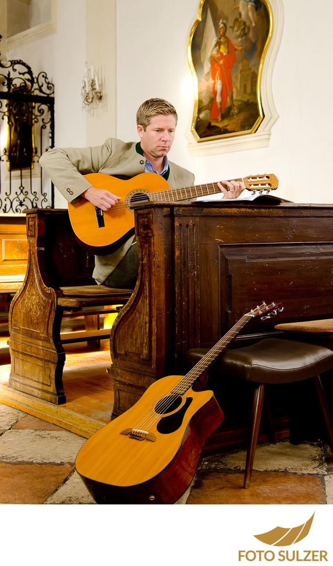 Vater und Musiker bei Taufe Salzburg