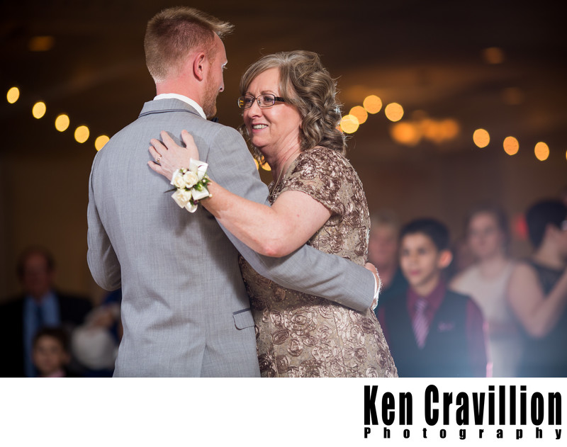 Oshkosh Wedding Photos of Emily and Ryan 116