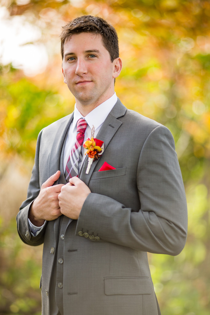 Oshkosh Wedding Groom Portrait Photography