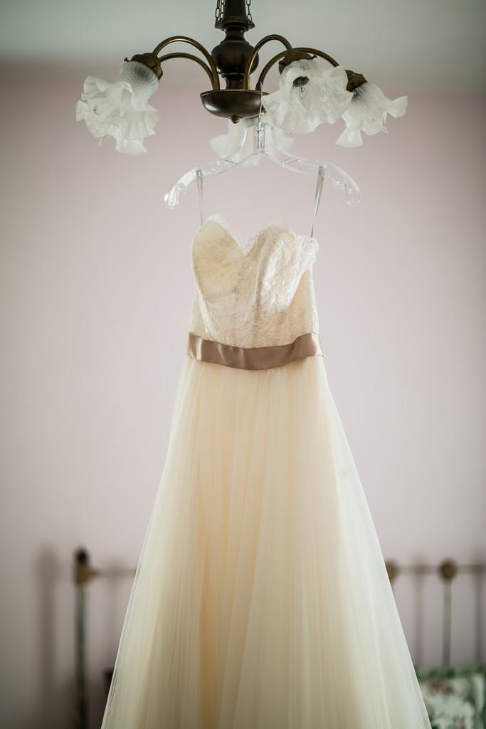 Mulberry Lane Farm Wedding Dress Photographer