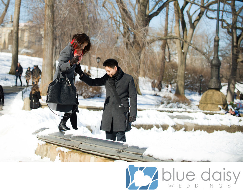 Winter surprise marriage proposal at Bethesda Fountain