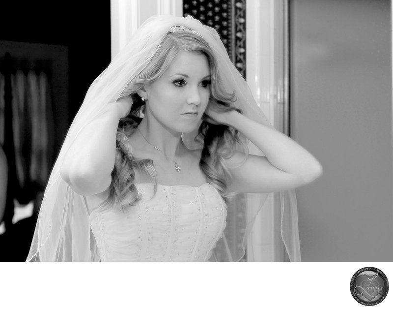 Bride Get Ready Wedding Bona Allan Mansion Buford
