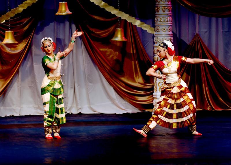 Wedding Photographer Alpharetta Indian Cultural Dance