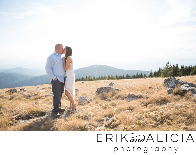 kiss with a view on mount spokane peek
