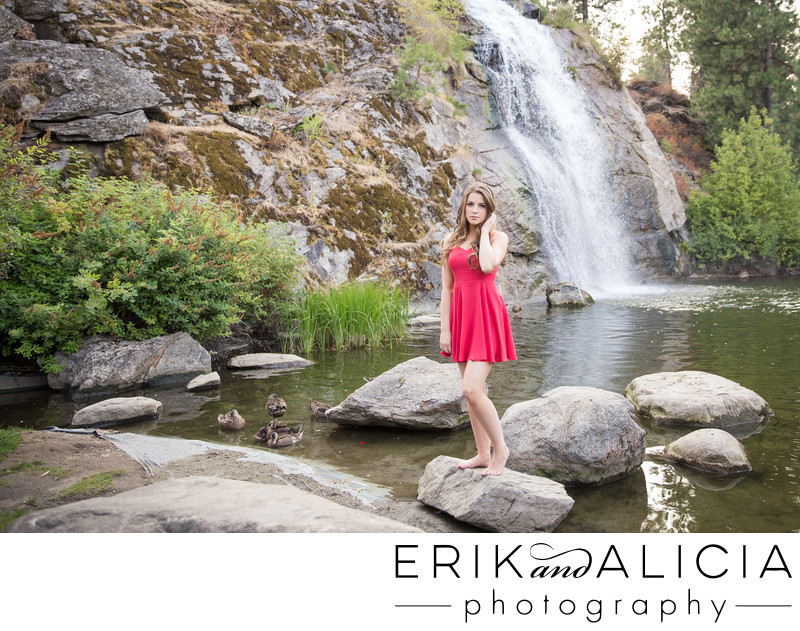 mirabeau park waterfall fountain senior portrait