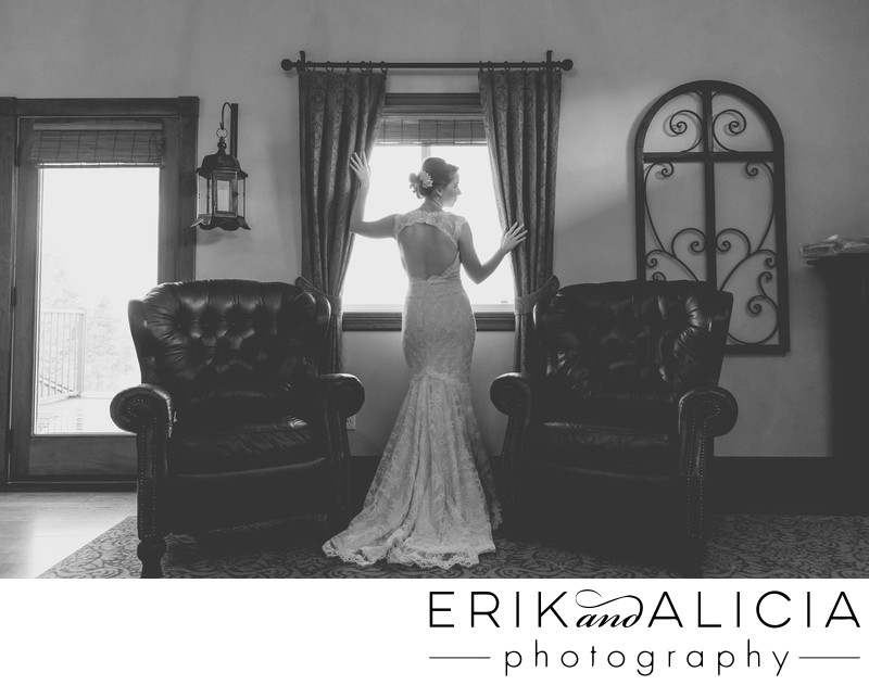 classic b&w bridal suite portrait