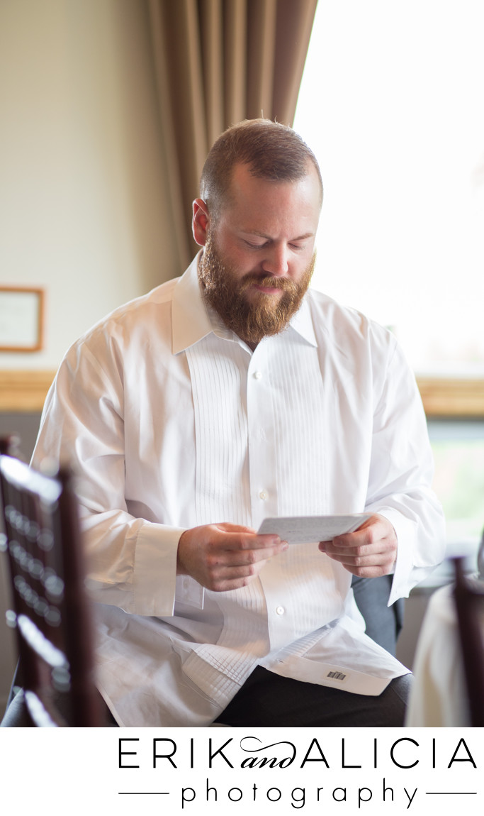 groom reads love letter from bride