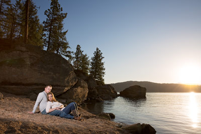 beach-engagement-coeur-d'alene-lake