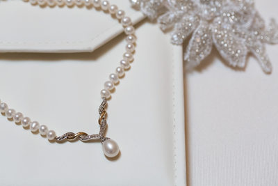 pearl necklace bridal gift