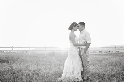 b&w bridal portrait riverview mill ranch field