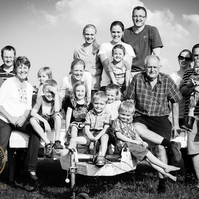 Large Family Shoot on Farm Location