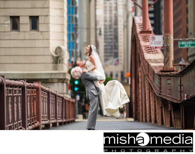 Chicago Wedding Photographer | La Salle Street Bridge