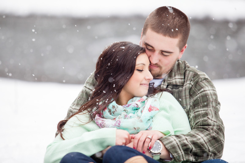 Engagement Photographer Snow