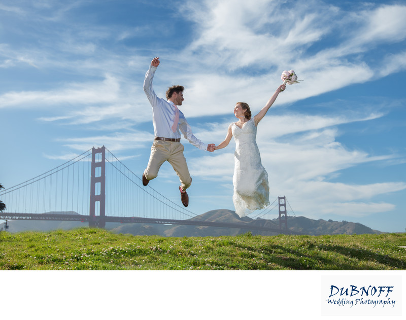 golden gate bridge jumping bride and groom