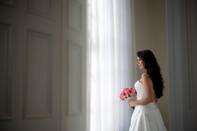 Simple and yet beautiful wedding day portrait