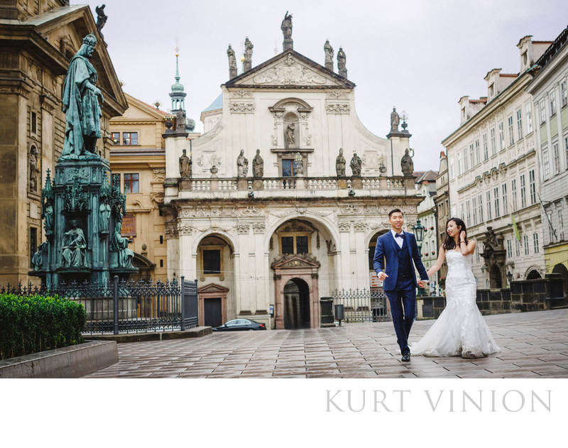 overseas pre wedding photography Prague