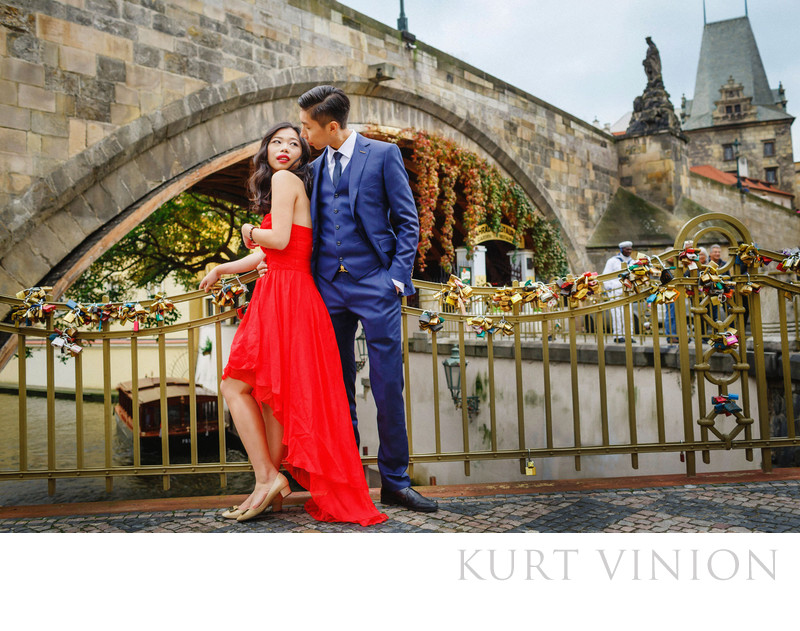 Prague Charles Bridge marriage proposal