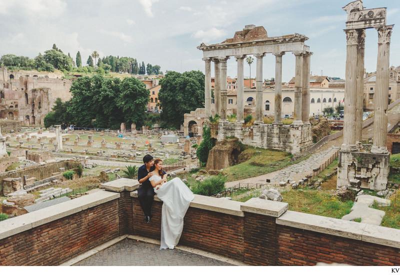 pre wedding Rome Roman Forum photos