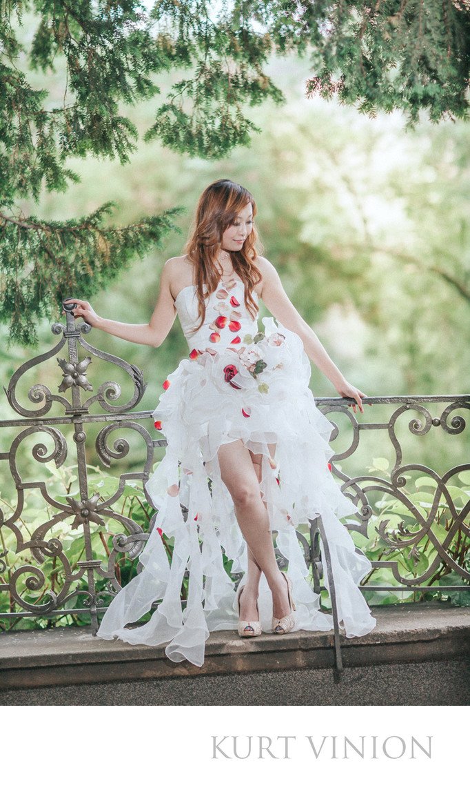 Coco's (Hong Kong) sexy bridal portraits in Prague