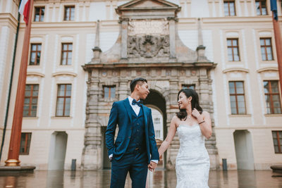 destination pre wedding at Prague Castle