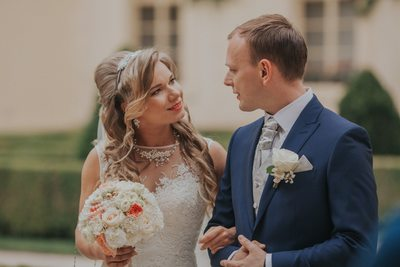 K+M (UK) Vrtba Garden destination wedding in Prague 14