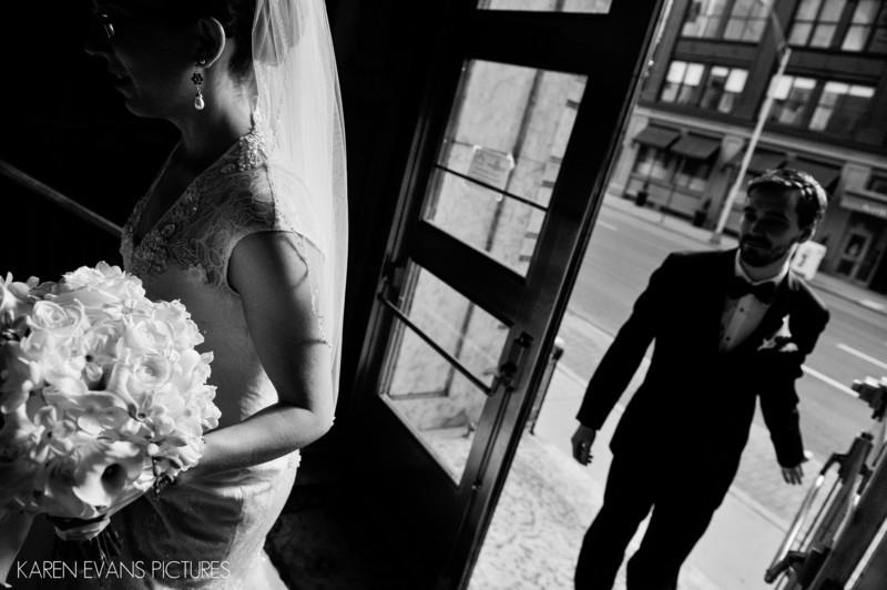 Unique Wedding Portraits in Downtown Columbus Ohio