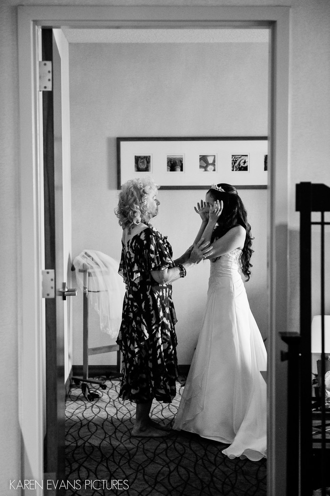 Mother Daughter Moment at The Blackwell Wedding