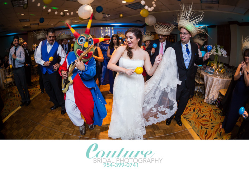 EL CONVENTO OLD SAN JUAN WEDDING PHOTOGRAPHER