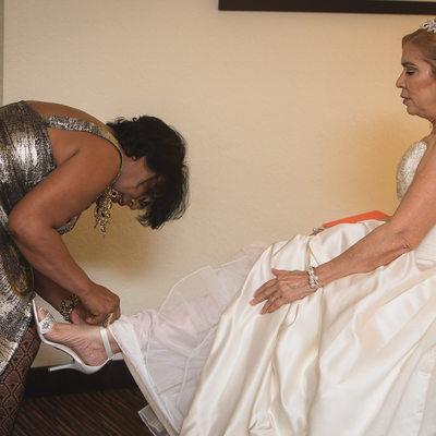 HIALEAH GARDENS WEDDING PHOTOGRAPHER