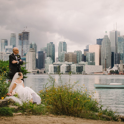 Best Wedding Portrait with Toronto Skyline at Wards Island