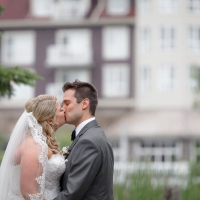 Kissing in Blue Mountain:  Unposed Wedding Photographer