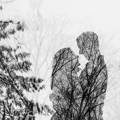 Winter Engagement Photos at Hogg's Falls