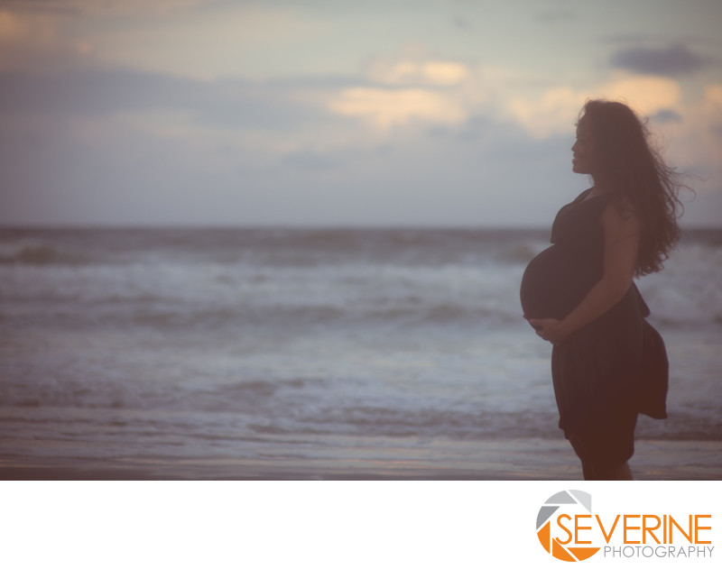 maternity artistic photo in jacksonville beach florida