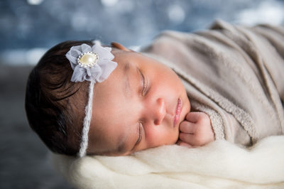 newborn girl photos headset grey pose ideas