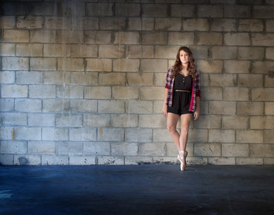 senior photos in jacksonville beach with a dancer